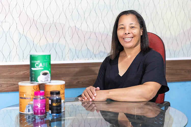 Elena Silva, moradora de Lençóis Paulista que participou da primeira fase do Dona Della, se destacou no projeto e conseguiu reerguer o seu negócio na área de marketing.